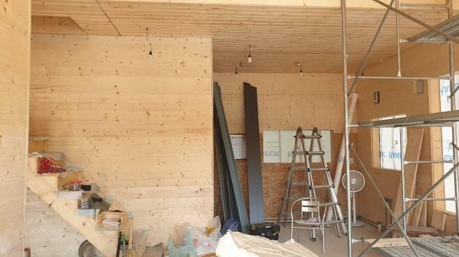 이재만씨가 건축 중인 집은 건축 기간 2달 정도로, 오는 10월 완공될 예정이다. 사진 이재만 제공