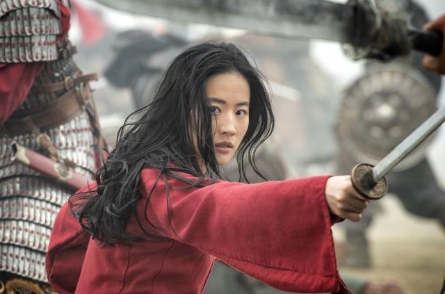 중국과 한국 등 아시아권 개봉을 앞둔 영화 '뮬란'의 한 장면. AP, 연합뉴스