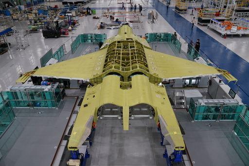 한국형전투기(KF-X) 시제기가 최종 조립을 앞두고 대기하고 있다. 방위사업청 제공