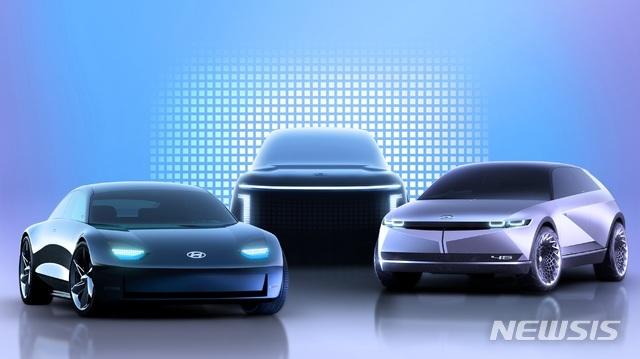 [서울=뉴시스]아이오닉 브랜드 제품 라인업 렌더링 이미지(좌측부터 아이오닉 6, 아이오닉 7, 아이오닉 5. (사진=현대차 제공)