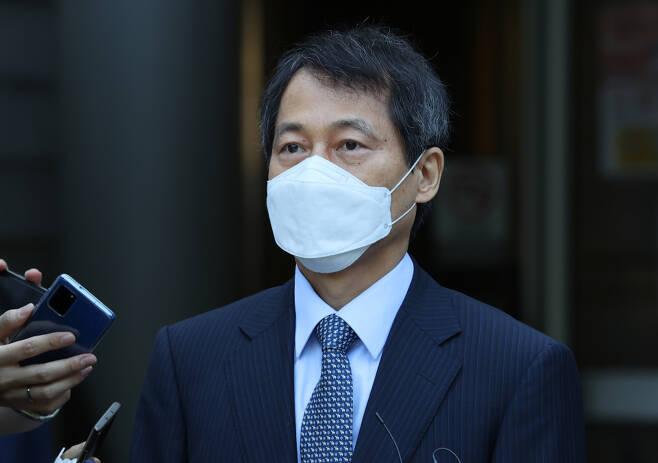직권남용 권리행사방해 및 공무상 비밀누설혐의로 기소된 이태종 전 서울서부지법원장이 18일 무죄 선고를 받았다. ⓒ 연합뉴스