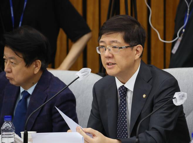 재산신고 누락 의혹 등으로 더불어민주당에서 제명된 김홍걸 의원 ⓒ 연합뉴스