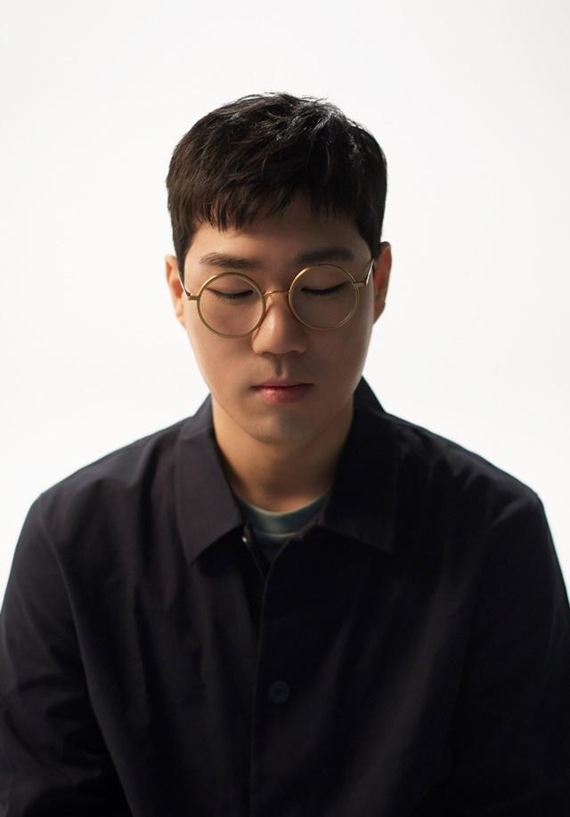 프로듀서 더 블랭크 숍으로 돌아온 재즈 피아니스트 윤석철. 제공 안테나