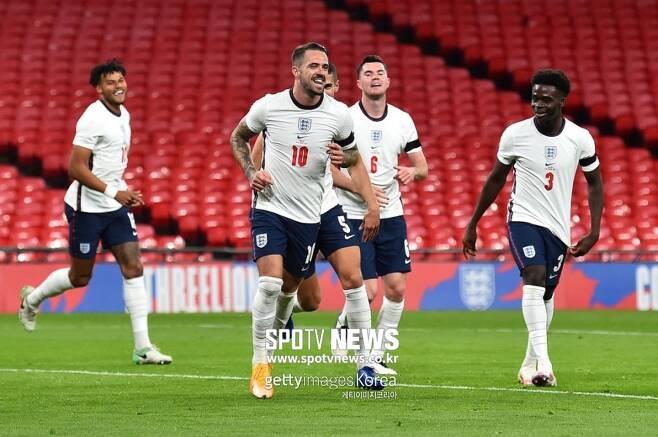▲ 잉글랜드 대표팀에서도 골 넣는 도미닉 칼버트-르윈(사진 위 등번호 9번)과 대니 잉스(사진 아래 등번호 10번)
