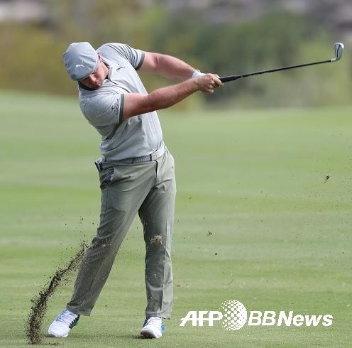 2020년 미국프로골프(PGA) 투어 슈라이너스 아동병원 오픈 골프대회에 출전한 브라이슨 디섐보. 사진제공=ⓒAFPBBNews = News1
