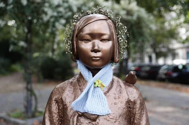 독일 베를린시 미테구에 설치된 평화의 소녀상/EPA 연합뉴스