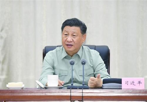"""시진핑 중국 국가주석은 지난 13일 광둥성 산터우 인근의 해병대를 시찰한 자리에서 '모든 정신과 힘을 전쟁 준비에 두라""""고 지시했다. 중국이 대만을 무력으로 공격할 가능성이 있다는 분석을 낳았다. [중국 신화망 캡처]"""