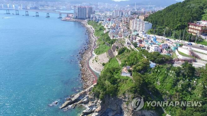 부산 영도구 흰여울문화마을 [연합뉴스 자료사진]