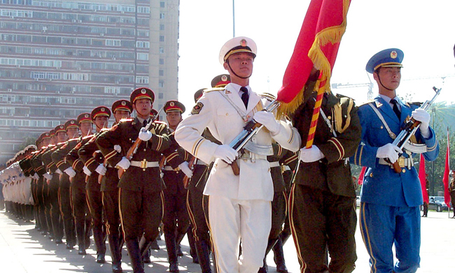 9월 공개된 미국의 중국 군사력 평가 보고서는 인민해방군이 2049년까지 미군을 능가하는 군사력을 보유하려고 한다고 분석했다. [위키피디아]