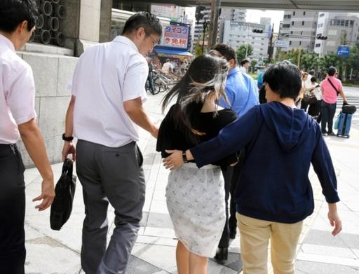 원조교제에 나선 10대가 경찰의 지도를 받고 있다. 아사히신문