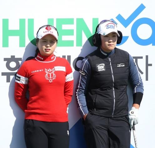 2020년 한국여자프로골프(KLPGA) 투어 휴엔케어 여자오픈 골프대회에 출전한 최혜진, 김아림 프로가 최종일 우승 경쟁을 예고했다. 사진제공=KLPGA