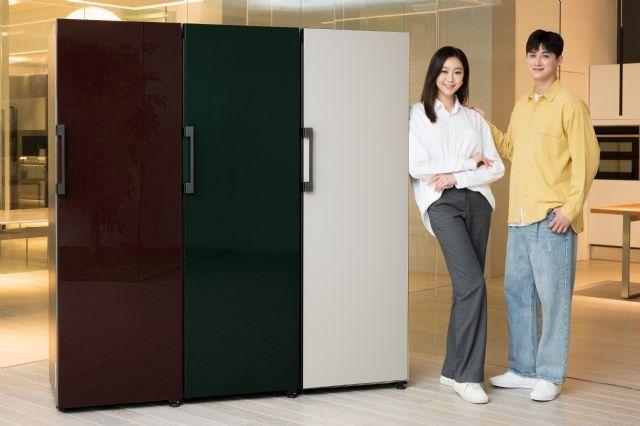삼성전자 모델이 수원 삼성전자 디지털시티 프리미엄하우스에서 비스포크(BESPOKE) 냉장고 신제품을 소개하고 있다. (사진=삼성전자)