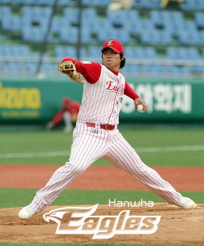 ▲ 2006년 한화 류현진의 신인 시절 투구 모습 ⓒ한화 이글스