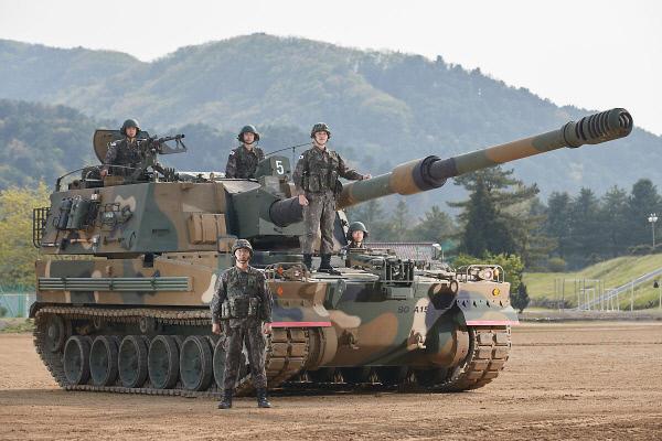 K9자주포 개량형으로 군에 배치되고 있는 세계 최고 성능의 자주포 K9A1의 위풍당당한 모습. 국방일보 제공