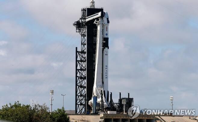 발사를 준비 중인 스페이스X 유인 우주선 [로이터=연합뉴스]
