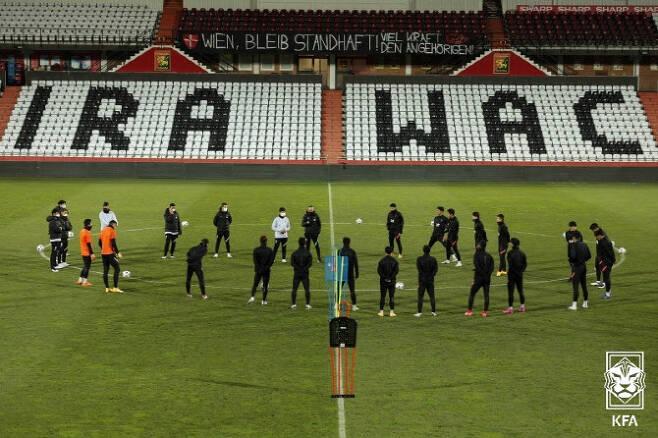 오스트리아에서 카타르와의 평가전에 앞서 팀훈련을 진행 중인 한국 축구대표팀. 사진=대한축구협회