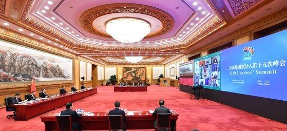 시진핑 중국 국가주석과 참모들이 지난 22일 G20 회의에 참석한 모습. [신화통신/연합뉴스]