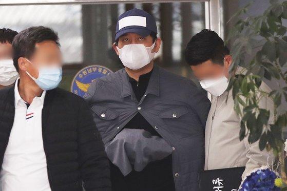 '라임자산운용(라임) 사태'와 관련해 검사들에게 향응·접대를 했다고 폭로한 김봉현 전 스타모빌리티 회장. 연합뉴스