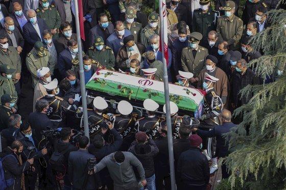 테헤란에서 진행된 파흐리자데의 장례식. [AP=연합뉴스]