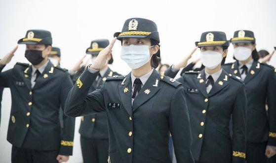 지난 3월 이화여자대학교 학생군사교육단(ROTC)은 '학군 58기 임관식'을 했다. [이화여자대학교 제공]