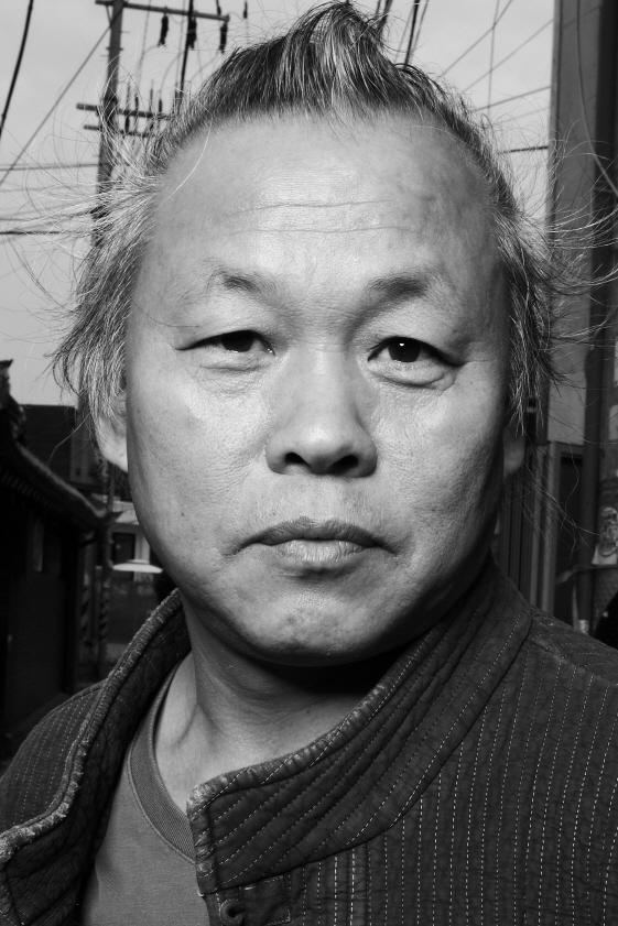 """김기덕 감독, 라트비아서 코로나로 사망 """"가족, 오늘 연락받았다"""" [2보]"""