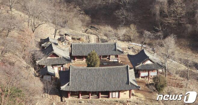 평안북도 의주 석숭산 기슭에 있는 금광사 전경. 첫 건립연대는 알 수 없고, 조선후기에 중건된 사찰이다. (미디어한국학 제공) 2020.12.12.© 뉴스1