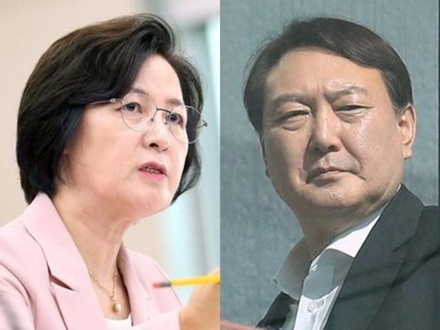 추미애 법무부 장관과 윤석열 검찰총장. 한국일보 자료사진