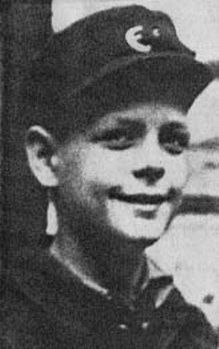 소년 시절 프리츠 빈켄의 모습. 그는 전쟁 중 겪었던 일을 기고해 많은 이들의 심금을 울렸고 말년에 사건 당사자와 극적으로 해후하는데 성공했다. [사진 findagrave.com]