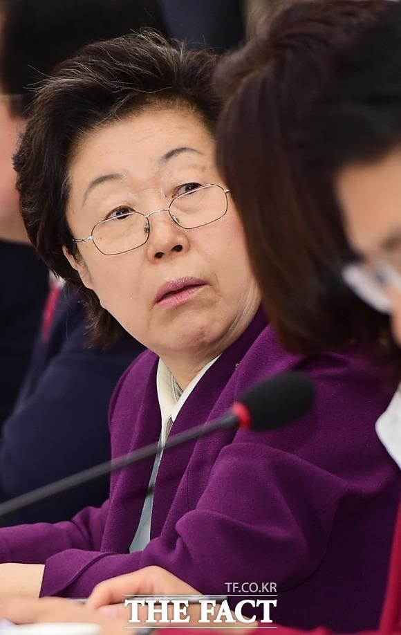 """자유한국당 패스트트랙 재판에 증인으로 출석한 채이배 전 의원의 비서 A씨가 당시 이은재 전 의원 때문에 """"무서웠다""""며 심경을 밝혔다. /배정한 기자"""