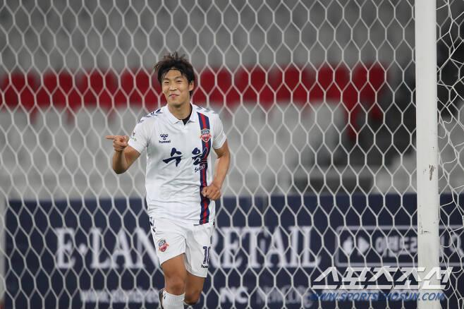 강원FC가 올해 수원FC에서 뛰었던 마사를 영입했다. 사진제공=한국프로축구연맹