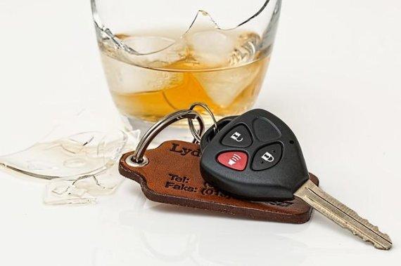 대리기사가 주차를 거부하고 음주상태에서 직접 주차하는 운전자를 신고하는 사례가 이어지고 있다. fnDB