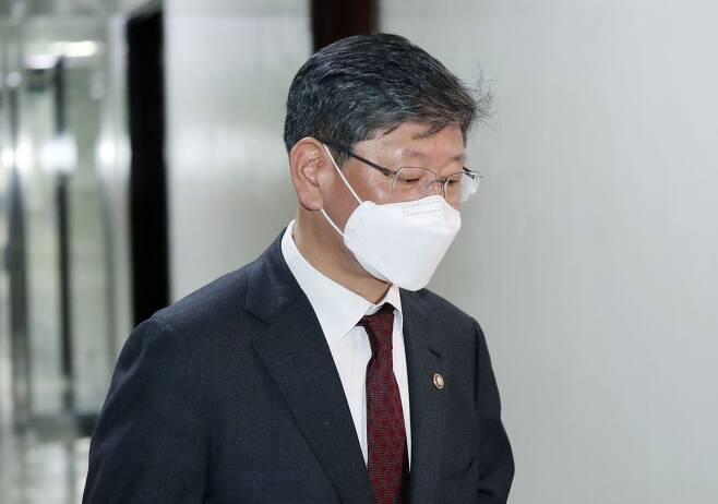 이용구 법무부 차관이 24일 서울 여의도 국회에서 열린 법제사법위원회 법안 심사 소위에 참석하고 있다. /사진공동취재단