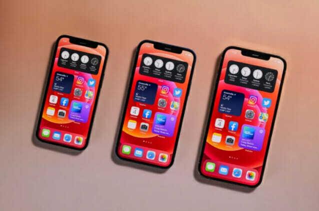 왼쪽부터 아이폰12 미니, 아이폰12, 아이폰12 프로 (사진=씨넷)