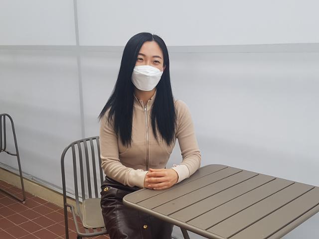 성악가 박영민씨는 시력을 잃을 뻔한 위기를 딛고 외국 유학까지 성공적으로 마쳤다. 시력에 도움이 될까 해서 5년 전부터 피트니스를 하고 있다.