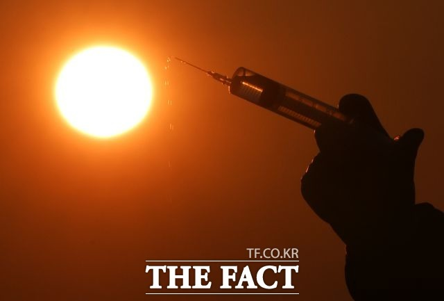 질병관리청은 국내에서 개방 중인 항체치료제의 임상 3상 조건부 허가에 대해 식품의약품안전처의 검토가 진행되고 있다고 밝혔다. /배정한 기자