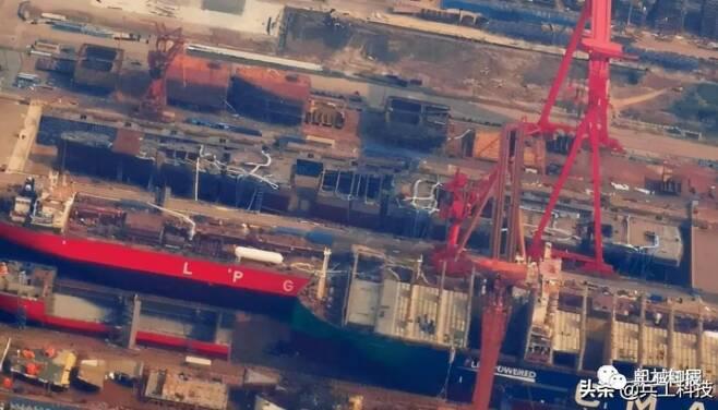 온라인상에 공개된 중국의 3번째 항공모함 건조장면 [병공과기 캡처. 재판매 및 DB 금지]