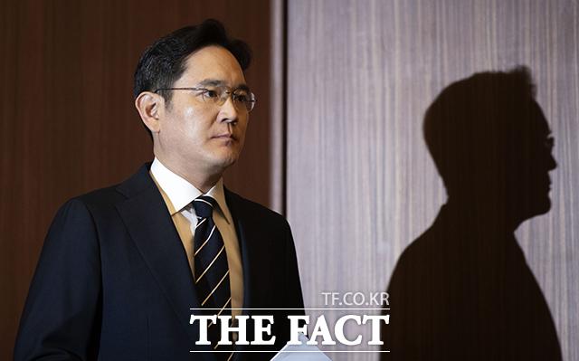 """이재용 삼성전자 부회장이 작성한 것처럼 꾸며진 '옥중 특별 회견문'에 대해 삼성 측은 """"모두 거짓인 가짜뉴스""""라고 설명했다. /이동률 기자"""