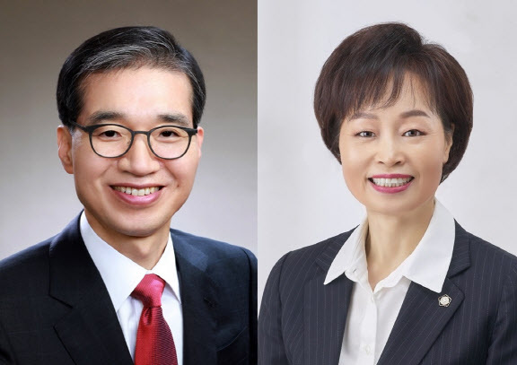 제51대 대한변호사협회 회장 결선투표에 나설 이종엽(왼쪽) 후보자와 조현욱 후보자.(사진=대한변호사협회)