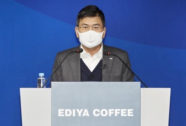문창기 이디야커피 회장이 올해 기업공개를 재추진하겠다고 밝혔다. /이디야커피 제공