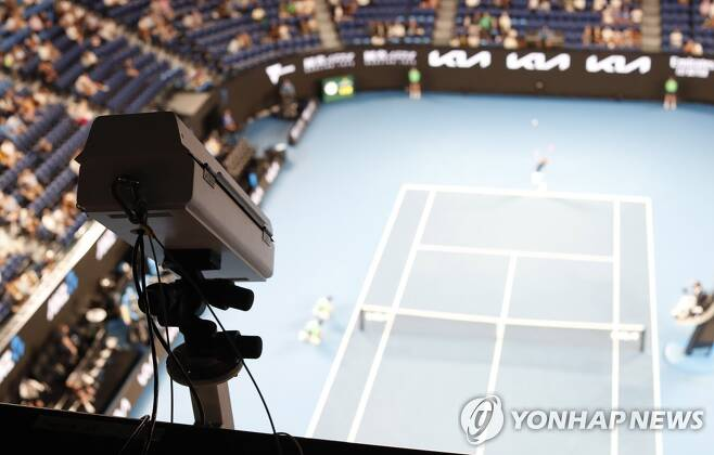 매의 눈으로 경기 지켜보는 호크아이 카메라 [로이터=연합뉴스]
