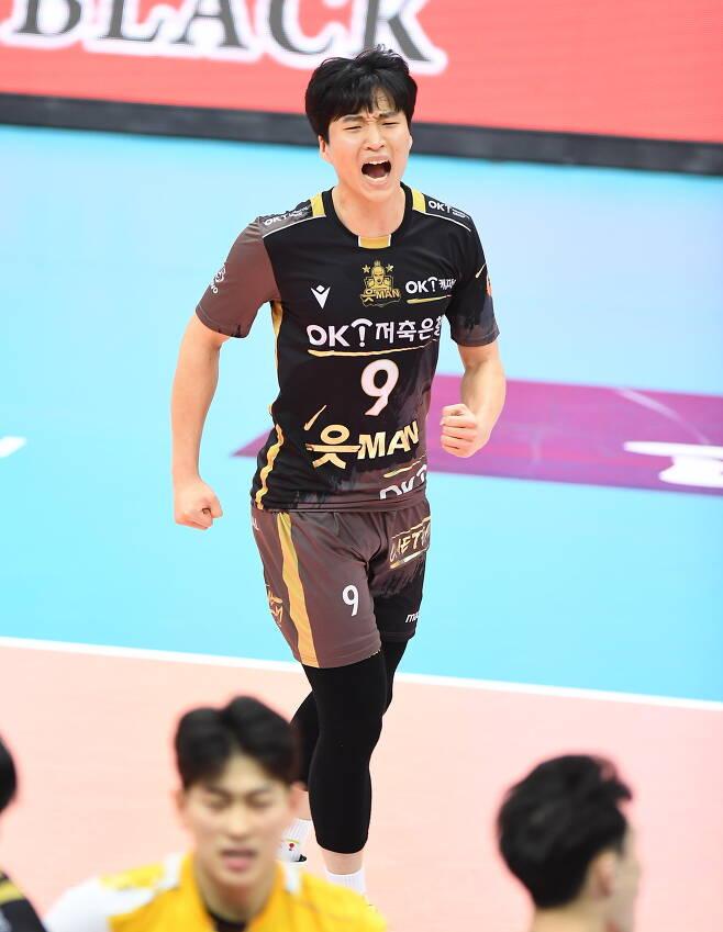 OK금융그룹의 김웅비가 주전 선수들의 이탈 속에 기회를 잡았다.(한국배구연맹 제공)© 뉴스1