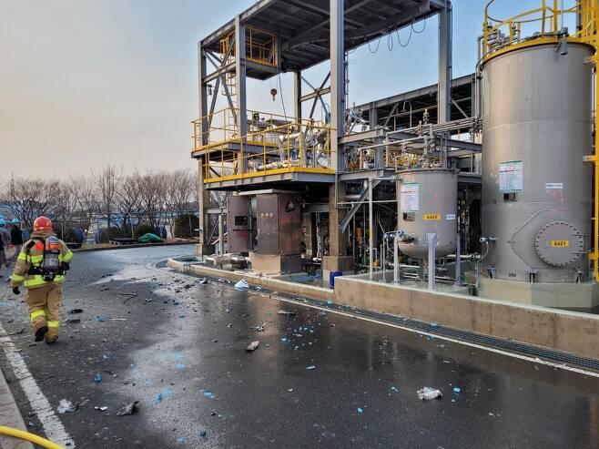 폭발 사고 발생한 울산 태광산업 설비 [울산소방본부 제공. 재판매 및 DB 금지]