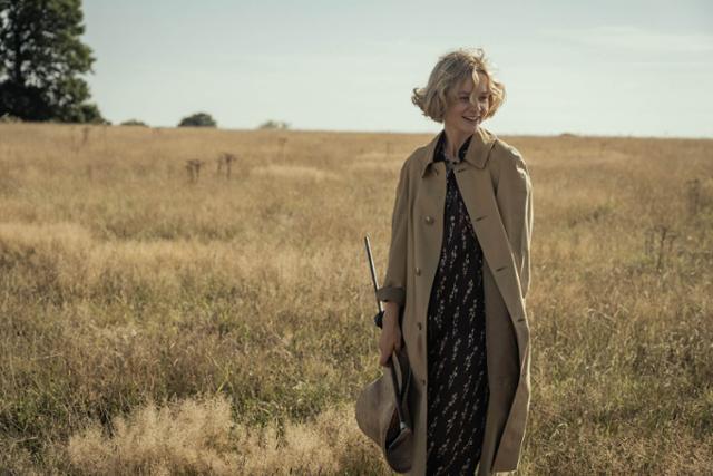 고전적인 매력의 배우 캐리 멀리건은 '더 디그'를 봐야 하는 첫 번째 이유다. 넷플릭스 제공