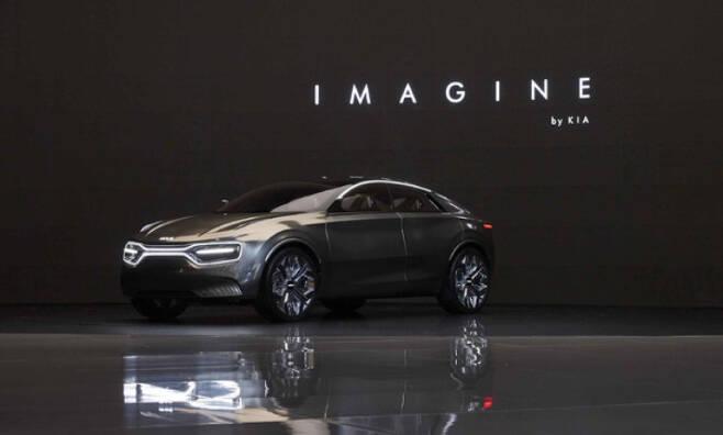 양산형 전기차인 CV에 가까운 모델로 평가받는 컨셉트 카 '이매진 바이 기아'. 기아 제공