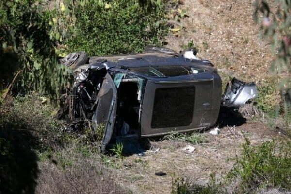 타이거 우즈 사고 (전복 사고로 심하게 훼손된 타이거 우즈의 차량)/사진=AP