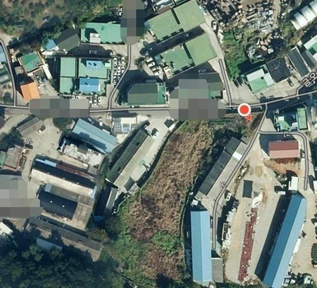 경기 시흥시 과림동의 한 마을. LH 직원이 매입한 것으로 추정되는 밭 주변에 주택과 공장들이 즐비하다. 다음 지도 캡처