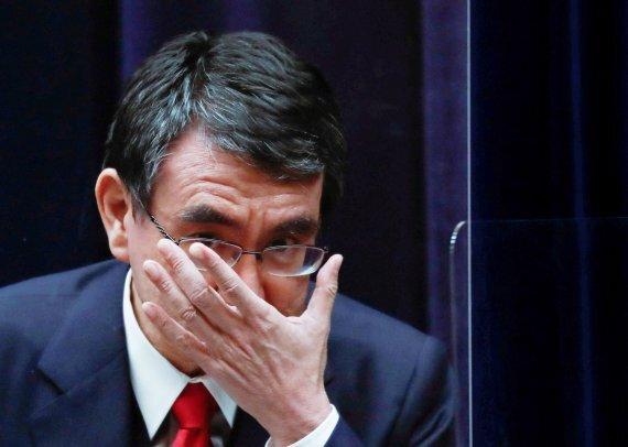 일본 정부의 코로나 백신 담당상을 겸하고 있는 고노 다로 일본 행정개혁담당상(장관)/로이터