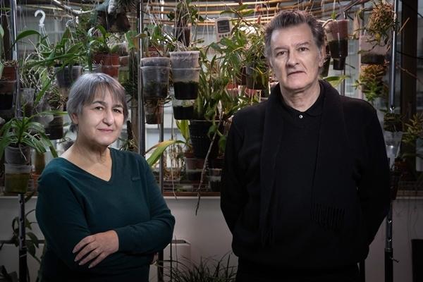 올해 프리츠커상을 수상한 프랑스 2인조 건축가 안 라카통(왼쪽)과 장필립 바살. AFP 연합뉴스
