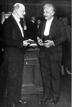 1929년 막스플랑크와 아인슈타인. 과학동아DB