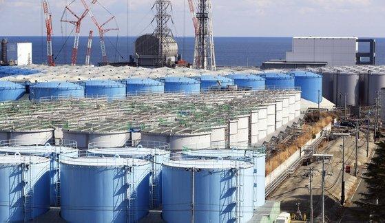 일본 정부가 후쿠시마 오염수를 해양에 방출하겠다는 방침을 정했다고 일본 언론들이 9일 일제히 보도했다. 현재 후쿠시마제1원전엔 약 125만톤의 방사능 오염수가 저장돼 있다. [연합뉴스]